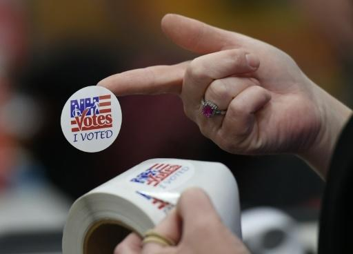 New Hampshire votes in high-profile US primary