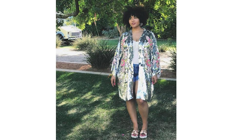 """<p>With the warm weather approaching, take a tip from <a href=""""https://www.instagram.com/p/BS7P3nAAw58/"""" rel=""""nofollow noopener"""" target=""""_blank"""" data-ylk=""""slk:@gabifresh"""" class=""""link rapid-noclick-resp"""">@gabifresh</a> and easily dress up your shorts and sandals with a statement sequined kimono to take you from day to night. </p>"""