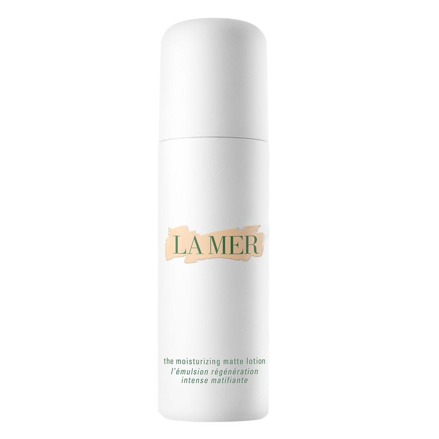 "<p>Start your skin off right with a moisturizer that will hydrate your complexion without creating an oil slick. ""I love La Mer oil absorbing lotion,"" say Nazarian. ""Since we still have to moisturize year-round, the heat of summertime can cause lotions to mix with sweat, leaving our skin feeling dirty and shiny. This particular product is wonderful at absorbing oil and sweat and keeping skin matte."" Looking for a moisturizer with SPF? Try Fre Defense Facial Moisturizer SFP 30 (<a rel=""nofollow"" href=""https://www.freskincare.com/products/protect-me"">Fré</a>, $50). Fre's entire product line is designed for skin that sweats. The ultra-light moisturizer is hypoallergenic and non-comedogenic, so it won't clog pores and trigger breakouts either.<br /><a rel=""nofollow"" href=""http://www.cremedelamer.com/product/5834/48607/moisturizers/the-new-moisturizing-matte-lotion/weightless-matte-finish"">Cremedelamer</a>, $260<br />(Photo: La Mer) </p>"