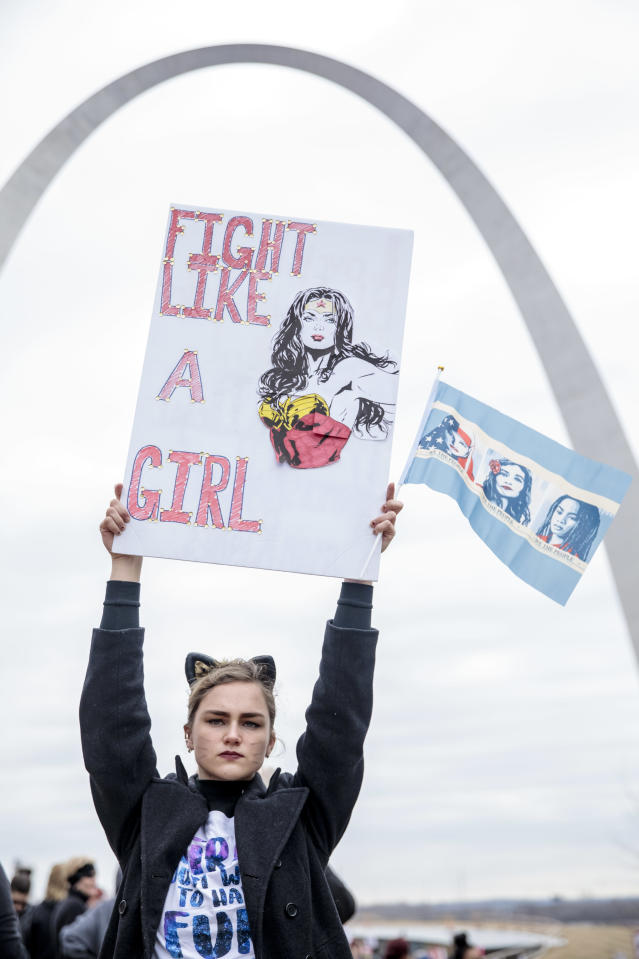 <p>Natalie White, 17, participates in the Women's March for Truth on January 20, 2018 in front of the Gateway Arch in St. Louis, Mo. (Photo: Whitney Curtis/Getty Images) </p>