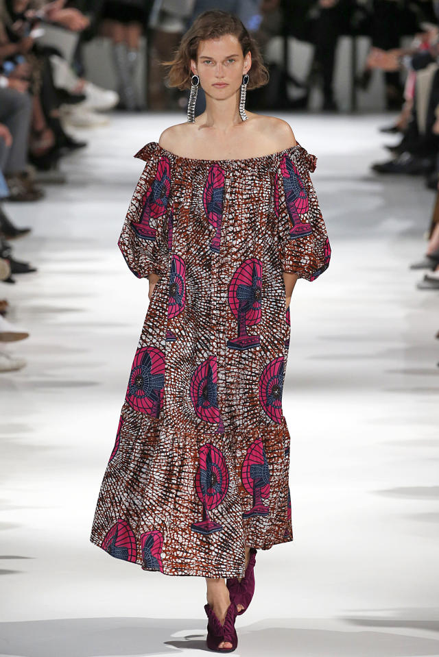 Stella McCartney's spring collection. (Victor VIRGILE via Getty Images)