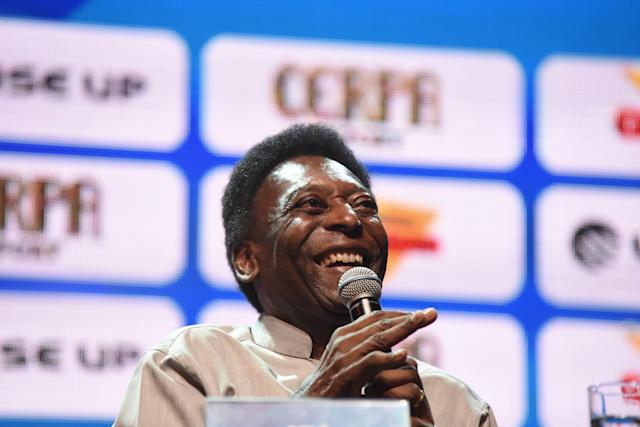 "Brazilian soccer legend <a class=""link rapid-noclick-resp"" href=""/soccer/players/379784/"" data-ylk=""slk:Pelé"">Pelé</a> was asked his opinion on <a class=""link rapid-noclick-resp"" href=""/soccer/players/372884/"" data-ylk=""slk:Lionel Messi"">Lionel Messi</a> and had nothing good to say. (Photo by FABI0 TEIXEIRA /Anadolu Agency/Getty Images)"