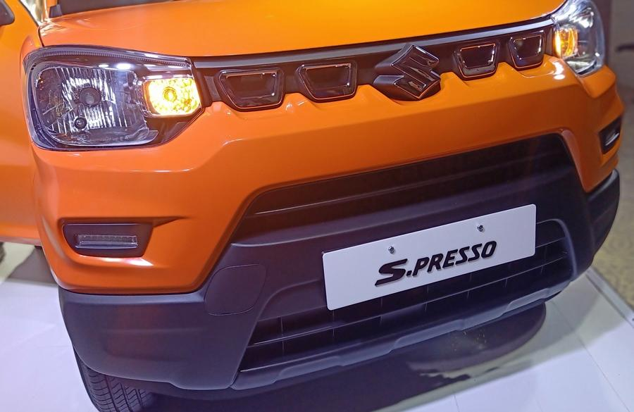 Maruti says this is its first 'Mini SUV' hence there is a distinct push with SUV styling details like the upright stance, black bumpers, cladding and a big grille.