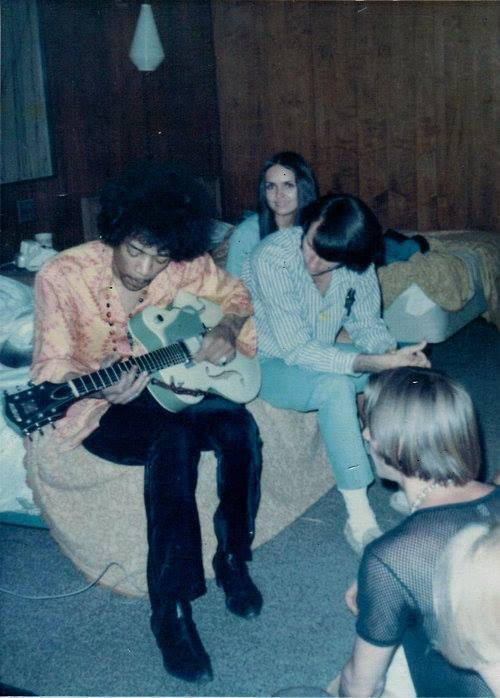 The Monkees's Mike Nesmith and Peter Tork with Jimi Hendrix, 1967. (Photo: Micky Dolenz/Facebook)
