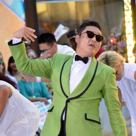 Psy 'playing NYC Halloween bash'