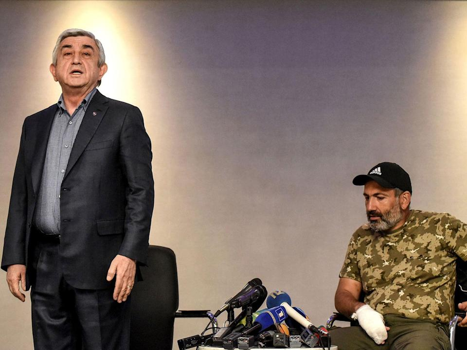 Serzh Sargsyan in a televised meeting with anti-government protest leader Nikol Pashinyan (VANO SHLAMOV/AFP/Getty Images)