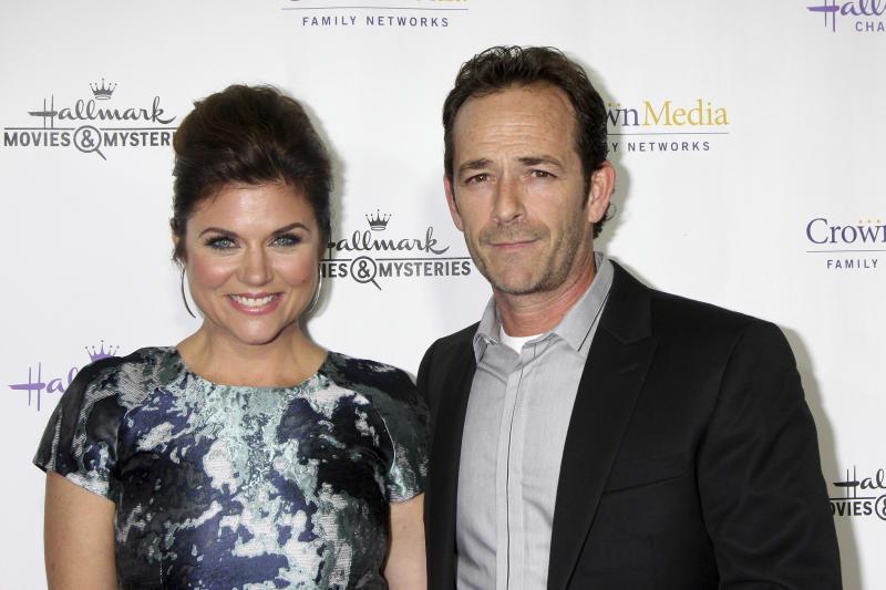 "***FILE PHOTO*** LUKE PERRY DEAD AT 52 Tiffani Thiessen, Luke Perry at the Hallmark Channel's ""Northpole"" Screening Reception, La Piazza Restaurant, Los Angeles, CA 11-04-14 David Edwards/DailyCeleb/MediaPunch /IPX"