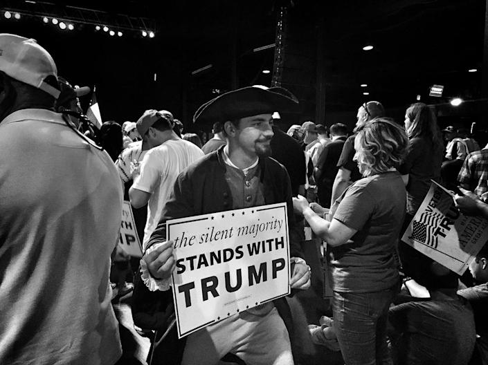<p>A Trump supporter in Revolutionary War garb at a rally on June 16 in Dallas, Texas. (Photo: Holly Bailey/Yahoo News) </p>