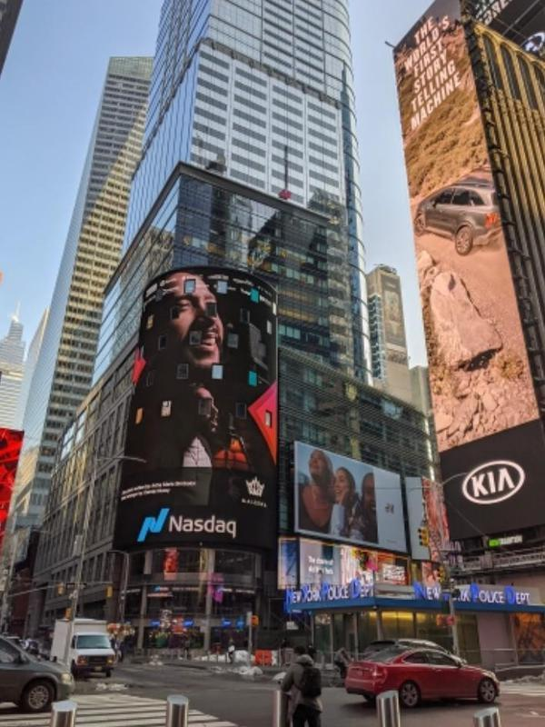 Maruli Tampubolon di LED screen gedung Nasdaq, Timesquare, New York City, AS. (Ist)