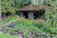 <p><strong>ARTISAN GARDEN | Award: SILVER</strong></p><p>Designed by The Blue Diamond Group Team, this garden takes inspiration from a National Trust owned forge located in Branscombe, Devon. It hopes to demonstrate how heritage and traditions have been retained whilst simultaneously embracing modern needs without losing its artisan qualities.</p>