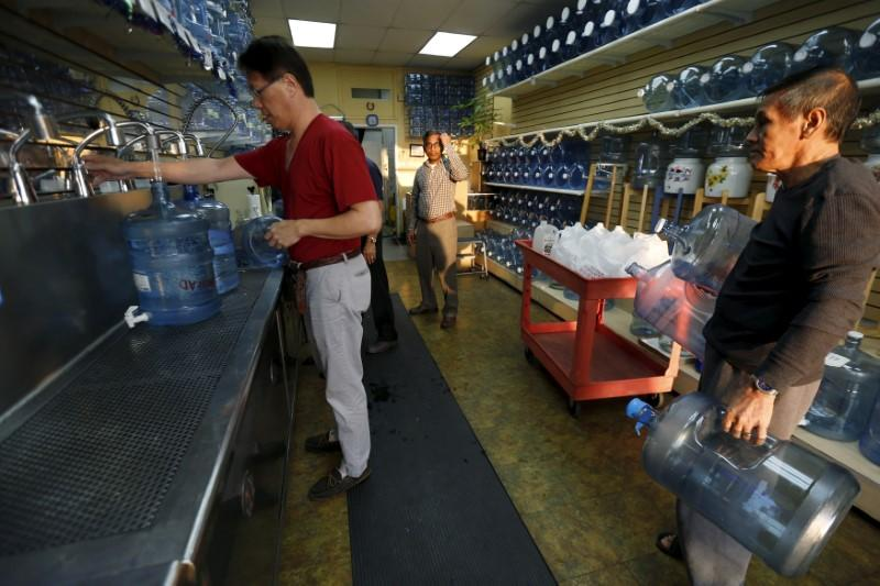 U.S. drinking water widely contaminated with 'forever chemicals' - report