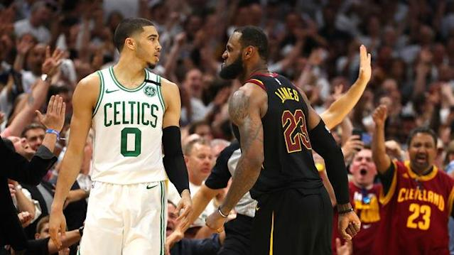 LeBron James (r.) will erneut ins NBA-Finale