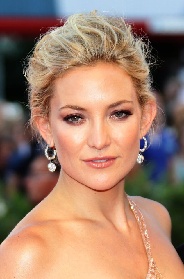 VENICE, ITALY - AUGUST 29:  Actress Kate Hudson attends 'The Reluctant Fundamentalist' Premiere And Opening Ceremony during the 69th Venice International Film Festival at Palazzo del Cinema on August 29, 2012 in Venice, Italy.  (Photo by Vittorio Zunino Celotto/Getty Images)