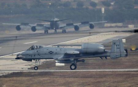 A U.S. Air Force A-10 Thunderbolt II fighter jet lands at Incirlik airbase in the southern city of Adana, Turkey, December 10, 2015. REUTERS/Umit Bektas