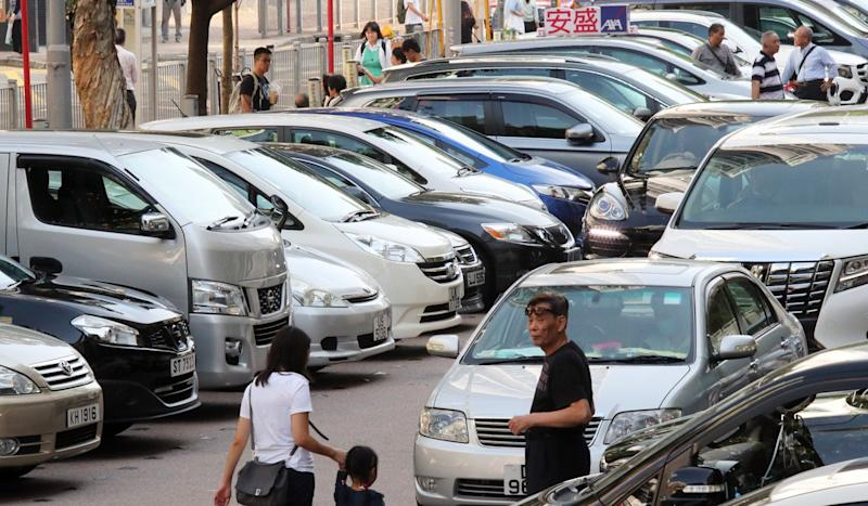 Hong Kong accelerates electric car scheme after just 321 motorists trade in old vehicle for HK$250,000 tax break
