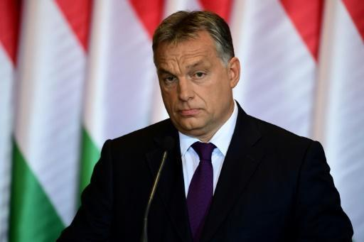 Hungary seeks to ban 'group resettlement' of migrants