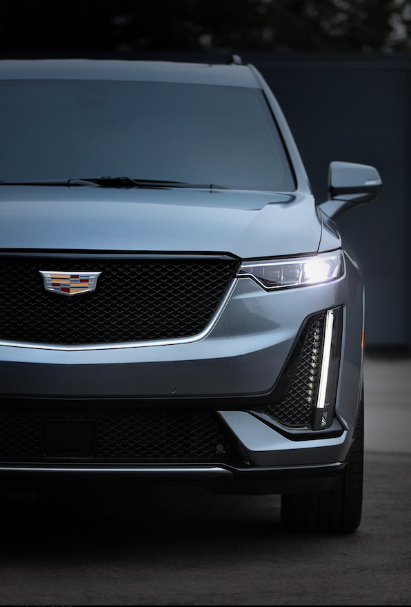 The 202 Cadillac XT6 features new, more rounded styling, vertical running lights and horizontal headlights.