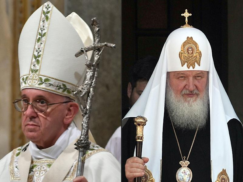 On his way to Mexico, Pope Francis (L) will stop over in Havana for a historic meeting with the head of the Russian Orthodox Church, Patriarch Kirill (R) (AFP Photo/Louisa Gouliamaki, Alberto Pizzoli)