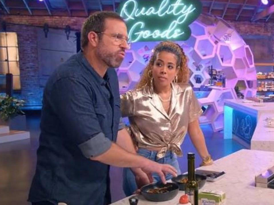 """Singer Kelis is the cohost of """"Cooked with Cannabis,"""" which appropriately premieres on 4/20."""