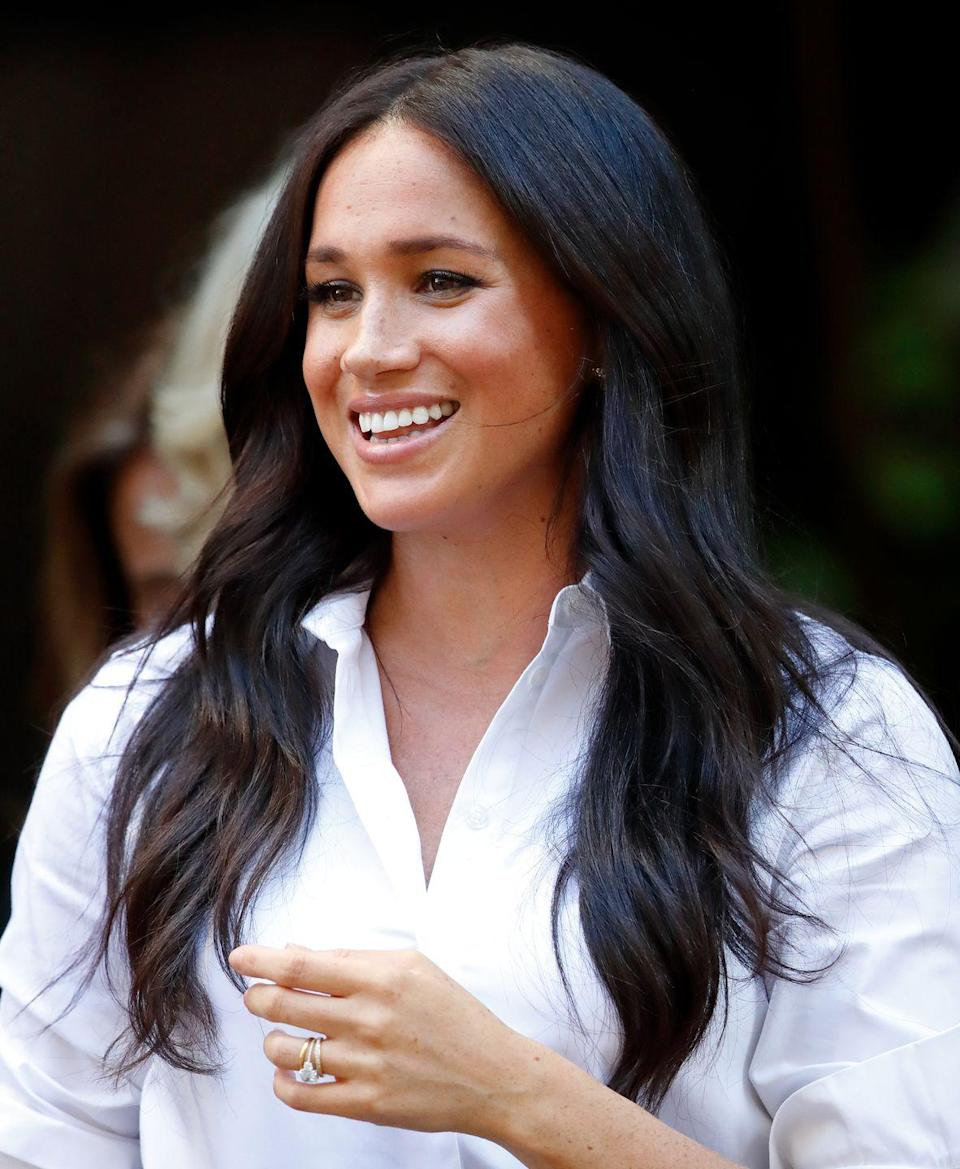 """<p>Though not the top pictured here, the Duchess of Sussex has been <a href=""""https://www.townandcountrymag.com/style/fashion-trends/g26787572/grayson-shirts-launch-meghan-markle/"""" rel=""""nofollow noopener"""" target=""""_blank"""" data-ylk=""""slk:known to sport"""" class=""""link rapid-noclick-resp"""">known to sport</a> white linen button-downs from celeb-favorite brand, Frank & Eileen. </p><p><a class=""""link rapid-noclick-resp"""" href=""""https://go.redirectingat.com?id=74968X1596630&url=https%3A%2F%2Fwww.nordstrom.com%2Fs%2Ffrank-eileen-eileen-linen-button-up-shirt%2F5592859&sref=https%3A%2F%2Fwww.elle.com%2Ffashion%2Fshopping%2Fg36477134%2Fmeghan-markle-white-button-down-shirts%2F"""" rel=""""nofollow noopener"""" target=""""_blank"""" data-ylk=""""slk:Shop Now"""">Shop Now</a></p>"""