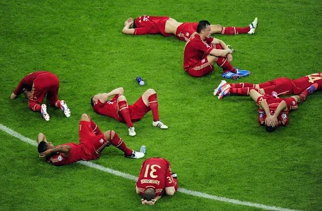 TOPSHOTS Players of Bayern Munich lay on the pitch after the UEFA Champions League final football match between FC Bayern Muenchen and Chelsea FC on May 19, 2012 at the Fussball Arena stadium in Munich. AFP PHOTO / JOHN MACDOUGALLJOHN MACDOUGALL/AFP/GettyImages