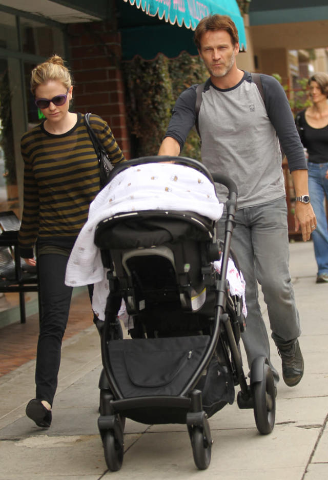 Stephen Moyer and Anna Paquin take their babies to the doctor's office in Beverly Hills, CA. Pictured: Stephen Moyer and Anna Paquin Ref: SPL456114 081112 Picture by: Zodiac / Splash News Splash News and Pictures Los Angeles: 310-821-2666 New York: 212-619-2666 London: 870-934-2666 photodesk@splashnews.com