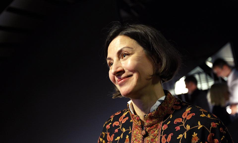 """US writer Donna Tartt reads her new novel """"The Goldfinch"""" at the world's book launch in Amsterdam, on September 22, 2013.    AFP PHOT / ANP / BAS CZERWINSKI        (Photo credit should read BAS CZERWINSKI/AFP/Getty Images)"""