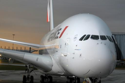 Air France has decided to take its A380 planes out of service. The massive aircraft are popular with passengers but consume more fuel and are thus more costly to operate