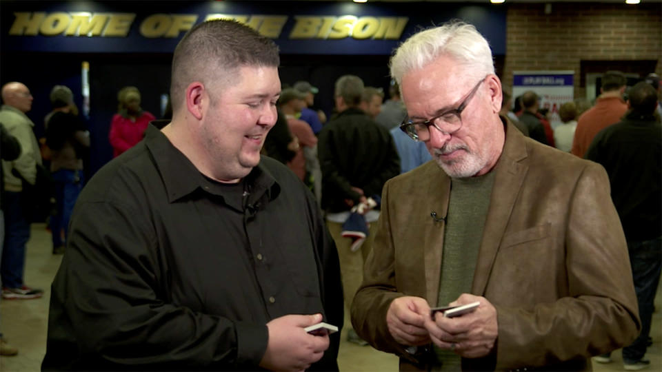 Joe Maddon on this week's episode of 25-year-old baseball cards. (Yahoo Sports)