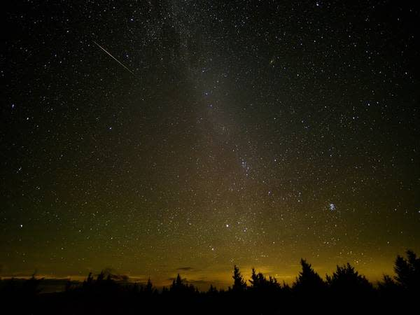 Weather permitting, you should be able to see the speedy Leonid meteors zipping across the sky this weekend.