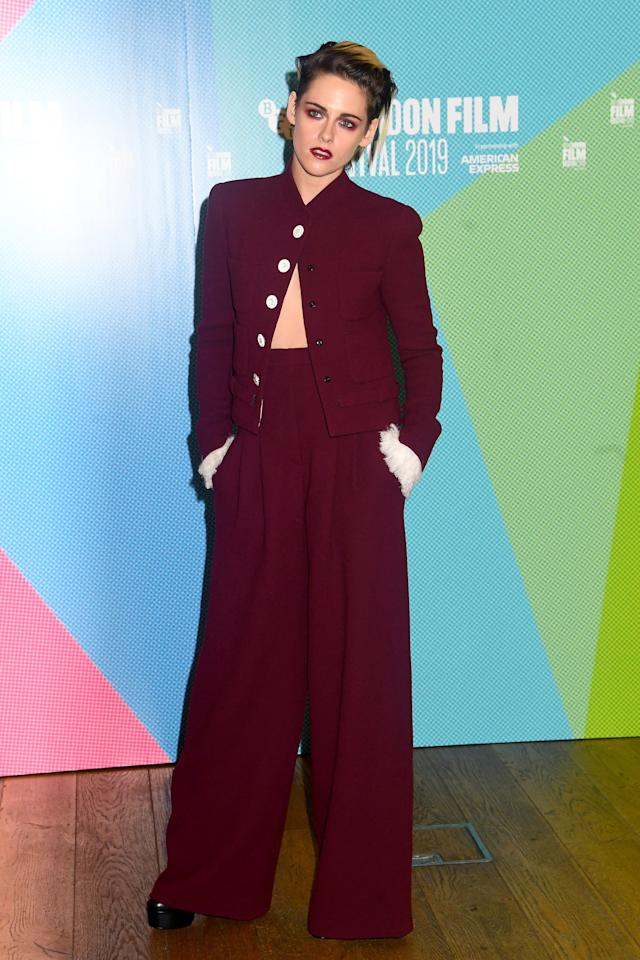 Kristen went monochromatic with her burgundy suit and matching maroon lip and eyeshadow. We love the unexpected white cuffs of the suit jacket and the fact that she only buttoned the top button.