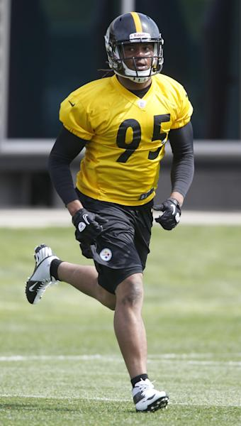Pittsburgh Steelers first round draft choice, linebacker Jarvis Jones out of Georgia, runs during NFL football rookie minicamp on Friday, May 3, 2013 in Pittsburgh. (AP Photo/Keith Srakocic)