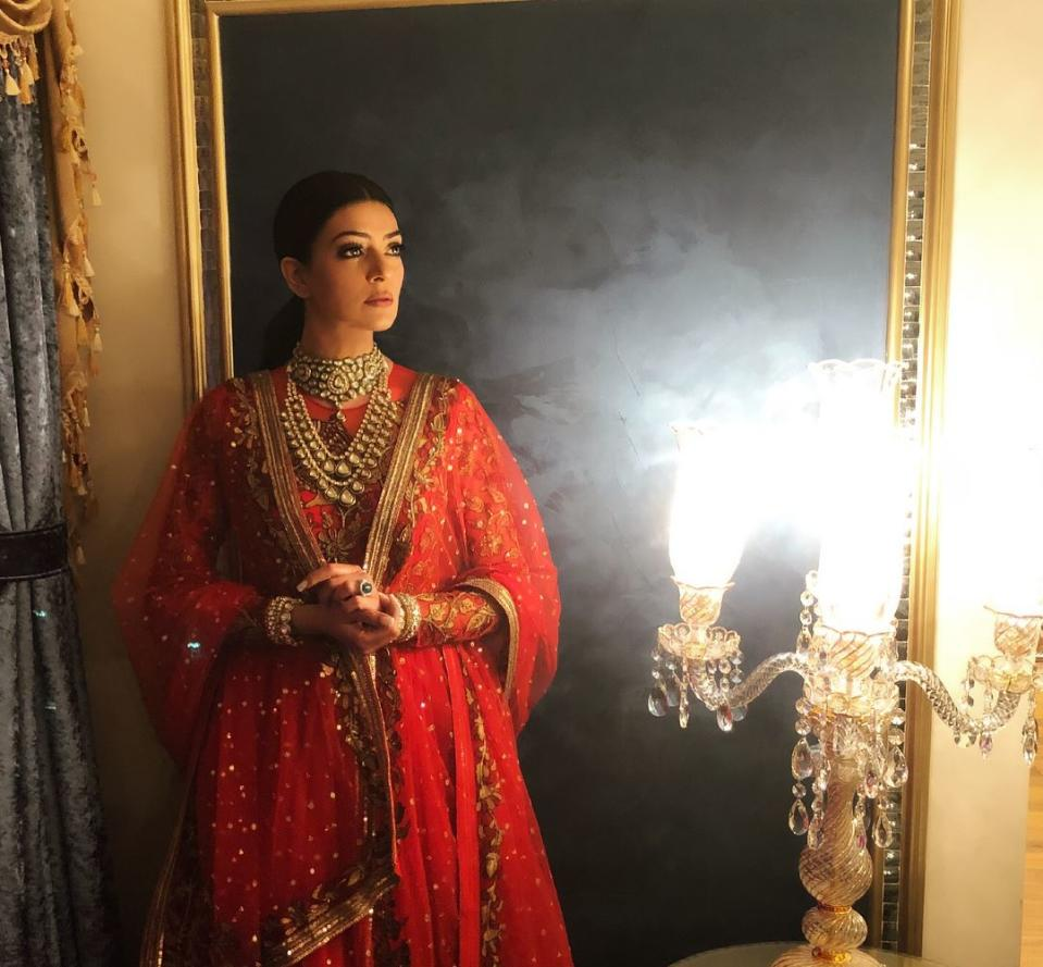 Do you know that Sen in also an entrepreneur? She owns retail jewelry stores in cities like Dubai and Sharjah. Serving as an alternative career, the store is largely managed by her mother Subhra Sen, who is also a jewelry designer.