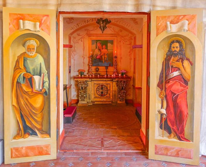 <p>As you'd find on any historic Andalusian estate, there is an ornate chapel here, complete with authentic religious artwork and icons. The artist in residence who painted the doors used the faces of men who were instrumental in building Hacienda de la Paz. (Photo by Steve Brown/Sepia Productions)</p>