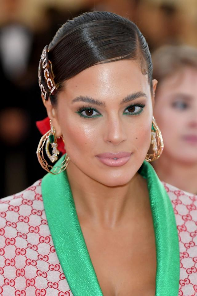 <p>With a handful of chunky barrettes, you're as good as red carpet-ready in seconds. Stack two identical clips one on top of the other like Ashley Graham, or mix up different shapes for an eclectic accent. </p>