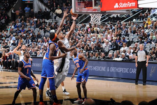 SAN ANTONIO, TX - MARCH 15: DeMar DeRozan #10 of the San Antonio Spurs shoots the ball against the New York Knicks on March 15, 2019 at the AT&T Center in San Antonio, Texas