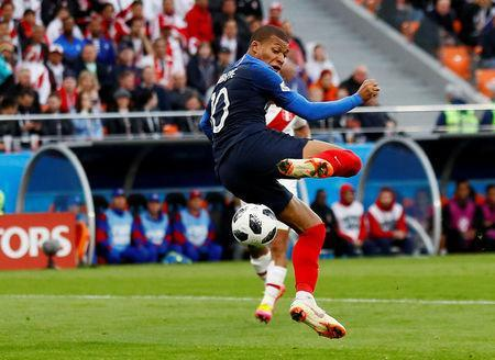 Soccer Football - World Cup - Group C - France vs Peru - Ekaterinburg Arena, Yekaterinburg, Russia - June 21, 2018 France's Kylian Mbappe in action REUTERS/Jason Cairnduff