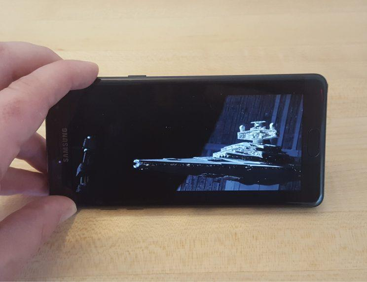 The photo of the Note7's display