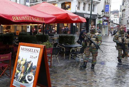 Belgian soldiers patrol nearby Brussels' Grand Place on November 22, 2015, after security was tightened in Belgium following the fatal attacks in Paris. REUTERS/Yves Herman