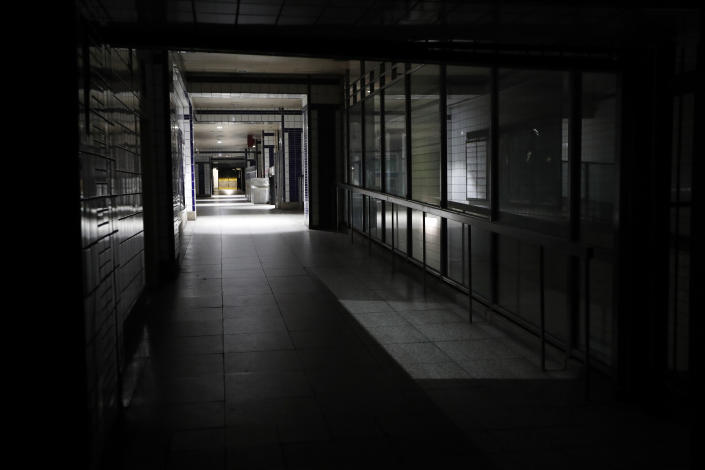A subway station is in the dark during a widespread power outage, Saturday, July 13, 2019, in New York. Authorities were scrambling to restore electricity to Manhattan following a power outage that knocked out Times Square's towering electronic screens, darkened marquees in the theater district and left businesses without electricity, elevators stuck and subway cars stalled. (Photo: Michael Owens/AP)