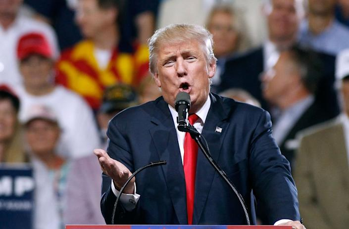 Donald Trump speaks to a crowd of supporters during a campaign rally on June 18, 2016 in Phoenix, Arizona. (Photo: Ralph Freso/Getty Images)