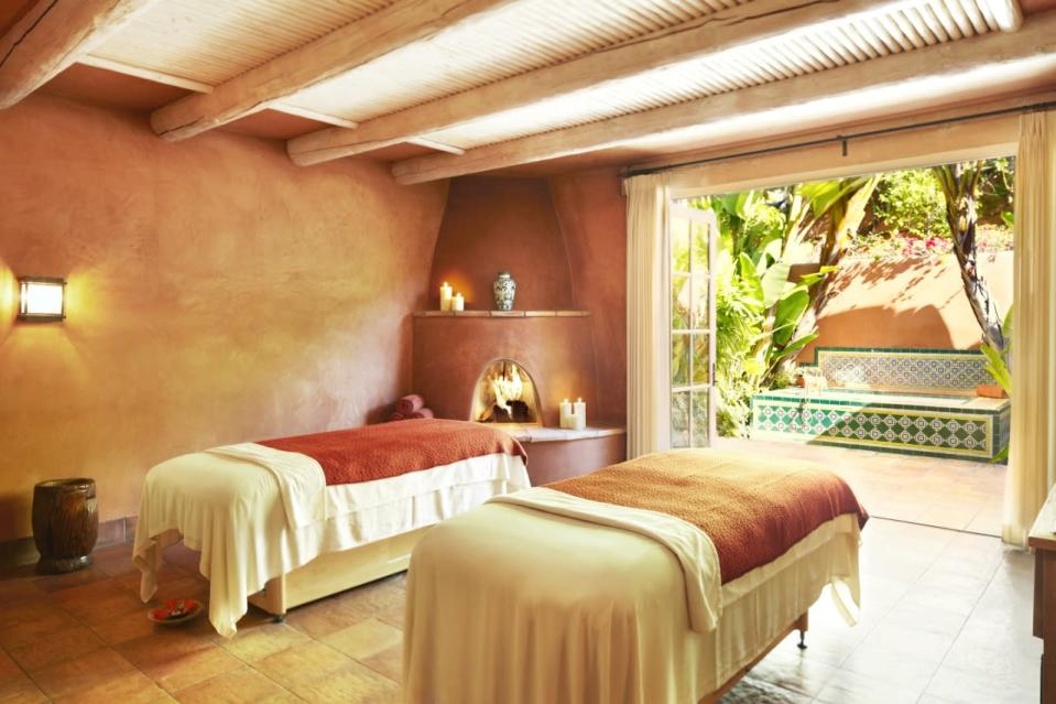 """<p>Every detail at this <a href=""""http://www.ranchovalencia.com/"""" rel=""""nofollow noopener"""" target=""""_blank"""" data-ylk=""""slk:lavish Southern Californian spa"""" class=""""link rapid-noclick-resp"""">lavish Southern Californian spa</a> is meant to soothe the spirit, rejuvenate the body and enrich the mind. <i>(Photo: Courtesy of Rancho Valencia)</i></p>"""