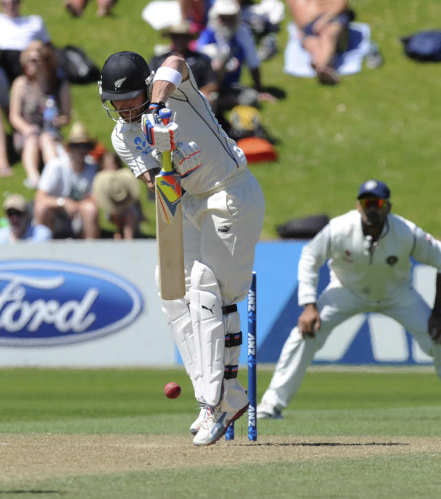 New Zealand's Brendon McCullum bats against New Zealand on the third day of the second cricket test at Basin Reserve in Wellington, New Zealand, Sunday, Feb. 16, 2014. (AP Photo/SNPA, Ross Setford) NEW ZEALAND OUT