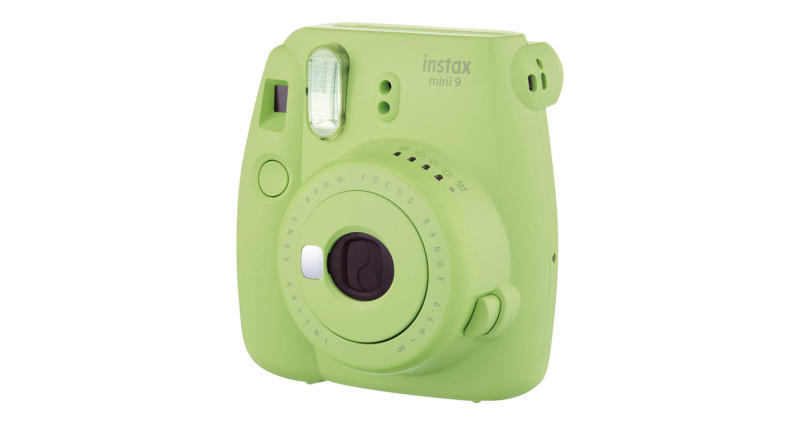 Instant camera with new slimmer and lighter body. The camera signals the recommended aperture setting with a flashing LED helping to capture the perfect photo every time (Photo: Fujifilm)