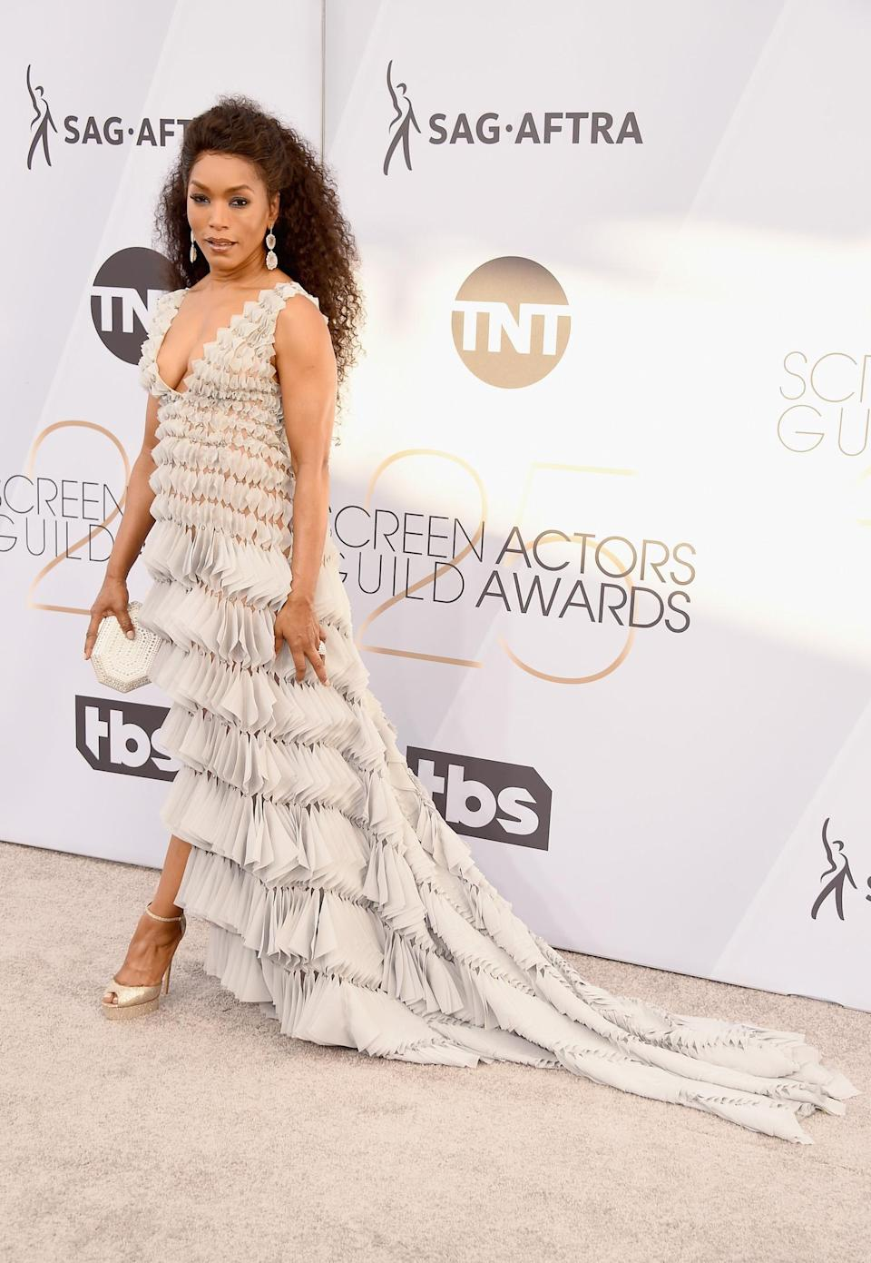 <p>Angela Bassett on the carpet at the 2019 Screen Actors Guild Awards in Los Angeles. (Photo: Getty Images) </p>