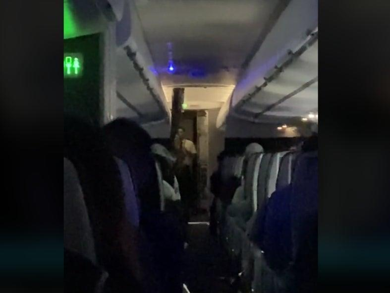 Video of a 7 June flight in which passengers insulted staff (Brent Underwood/TikTok)