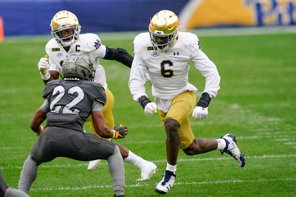 Notre Dame linebacker Jeremiah Owusu-Koramoah (6) will play a big role in trying to limit Clemson's offense.