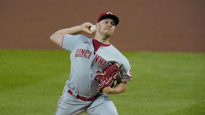 Cincinnati Reds starting pitcher Trevor Bauer delivers during the fourth inning.