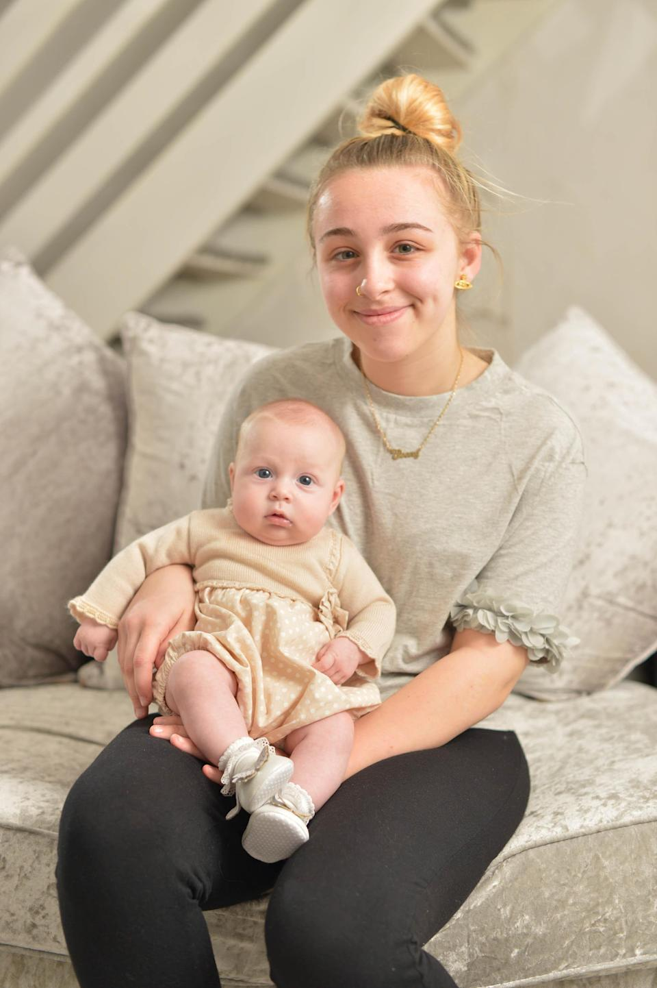 Ebony Stevenson photographed with her baby daughter, Elodie. (Photo: SWNS)