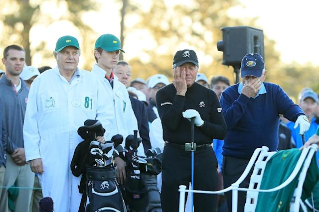 Honorary starters Jack Nicklaus and Gary Player react as they remember Arnold Palmer as during the first tee ceremony prior to the first round of the Masters Tournament April 6, 2017 in Augusta, Georgia (AFP Photo/Andrew Redington)